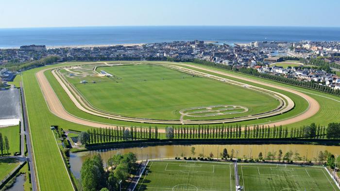 L 39 hippodrome de deauville la touques site officiel de la - Piscine olympique deauville ...
