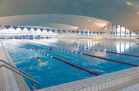 La piscine olympique d 39 eau de mer deauville tourisme for Aquabiking piscine saint germain en laye