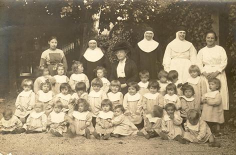 Crèche et enfants - Franciscaines