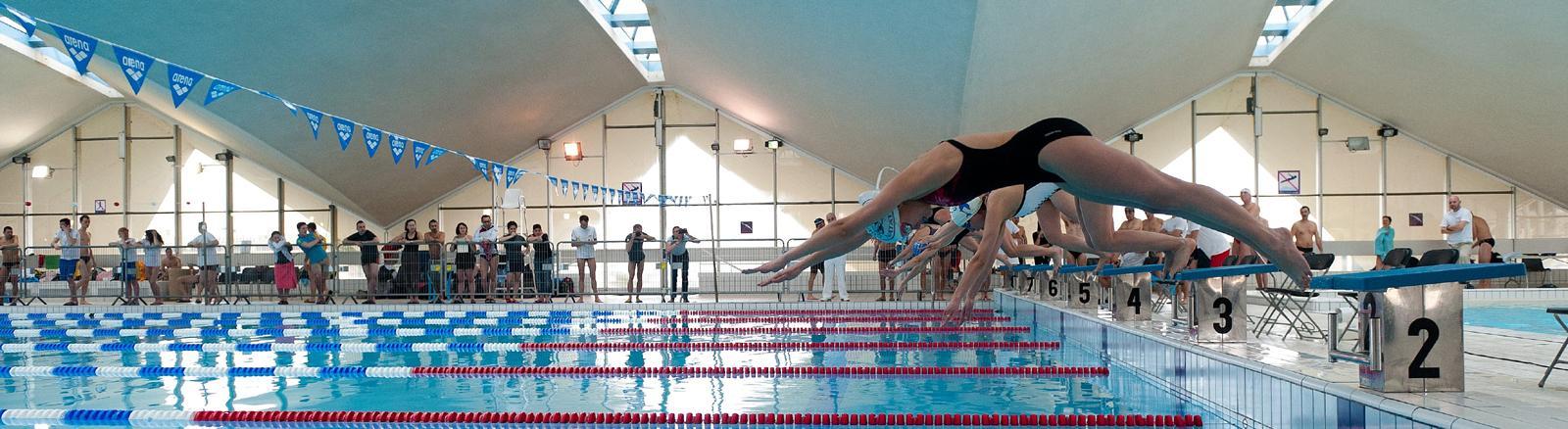 La piscine olympique d 39 eau de mer deauville tourisme - Horaire piscine olympique ...