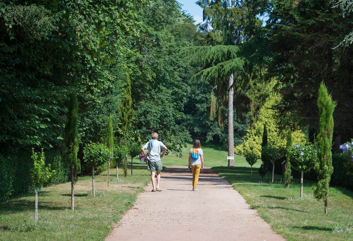 Gehen Sie in den Calouste Park
