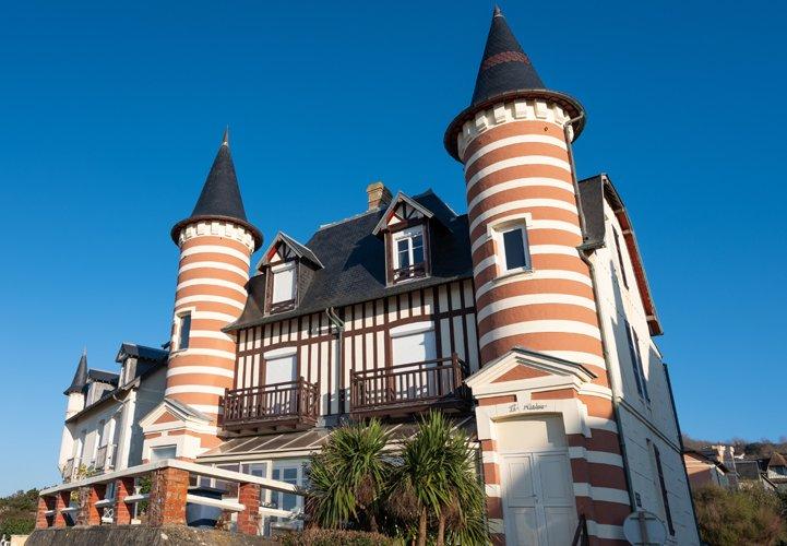 Architektur_villa_madrene_blonville-sur-mer_md_c_etienne_chognard_4 _-_ 721x500.jpg