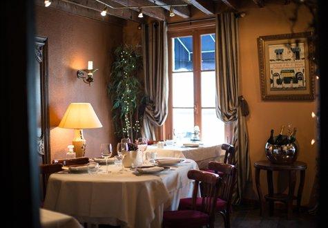 Restaurant Augusto - Zimmer im Obergeschoss - Naiade Plante - 475x330