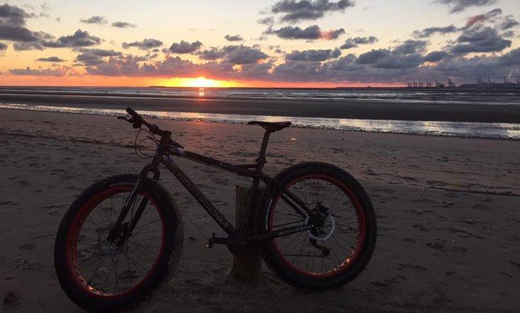 Los hallazgos, bicicleta gorda
