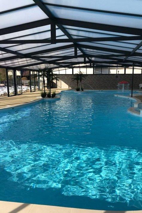 valley campsite - indoor swimming pool - 475x710