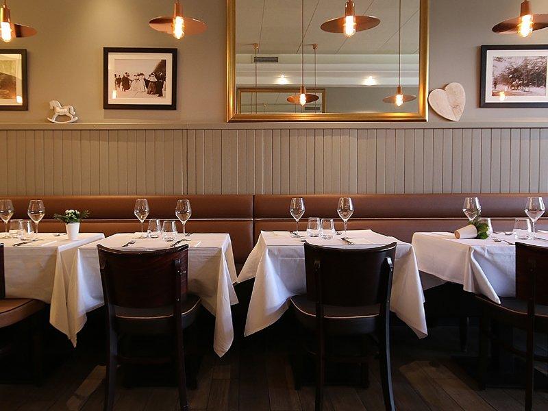 Die Deauville Theke und Tisch