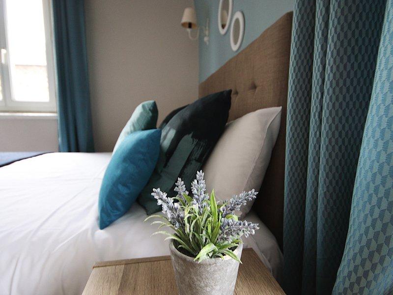 hotel_de_la_cote_fleurie _-_ chambre_bleue_800x600.jpg