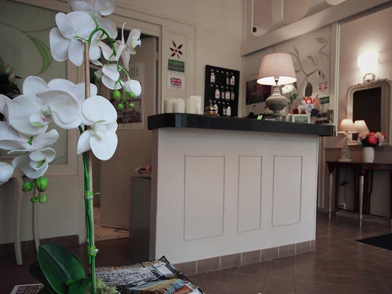 hotel_de_la_cote_fleurie _-_ hall_de_lhotel_800x600.jpg