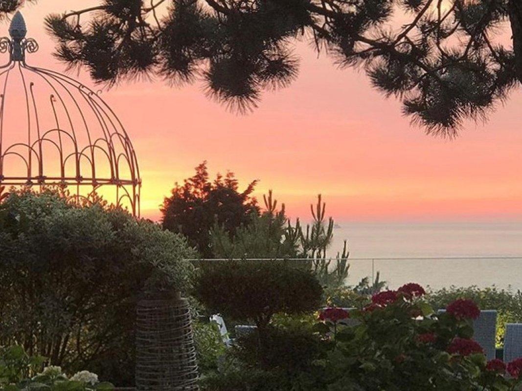 Le bellevue - coucher de soleil - 800X600