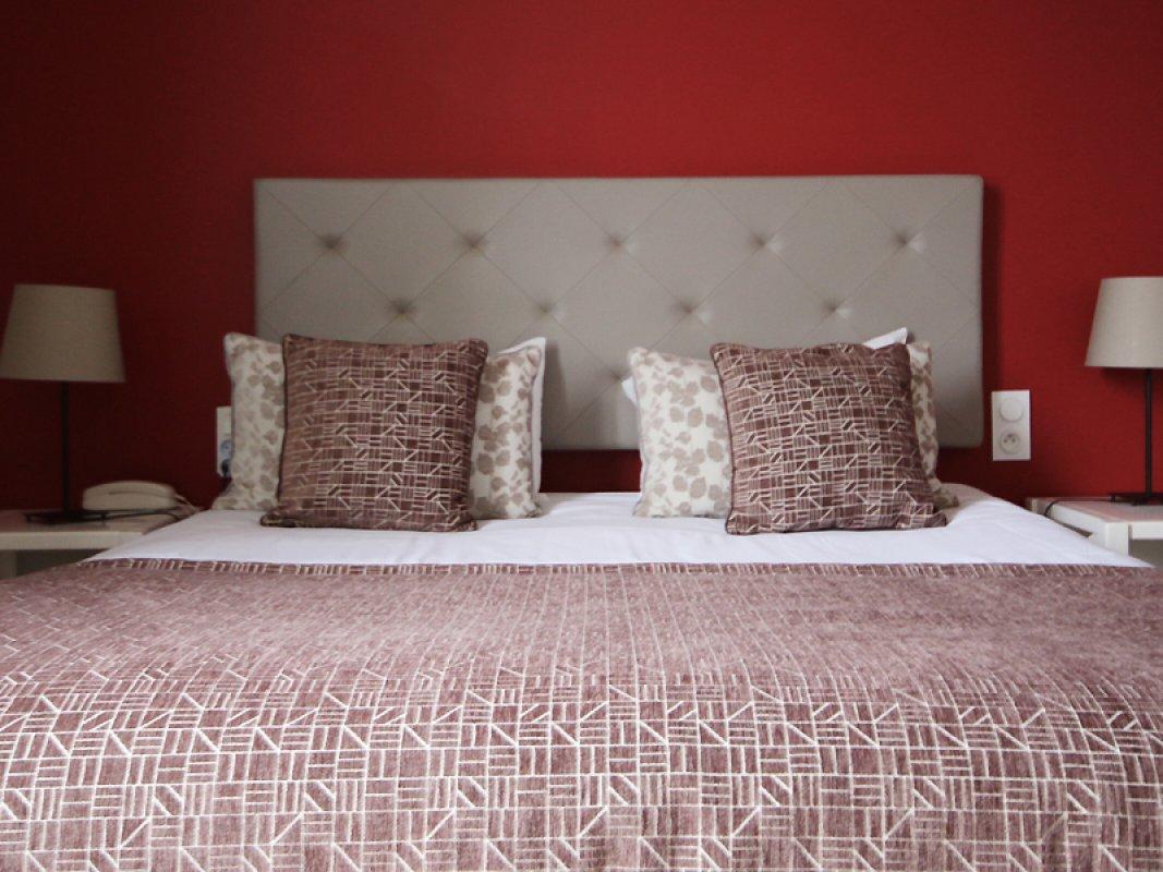 hotel_de_la_cote_fleurie _-_ chambre_rouge_800x600.jpg