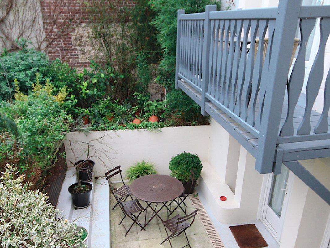 hotel_de_la_cote_fleurie _-_ garden_800x600.jpg
