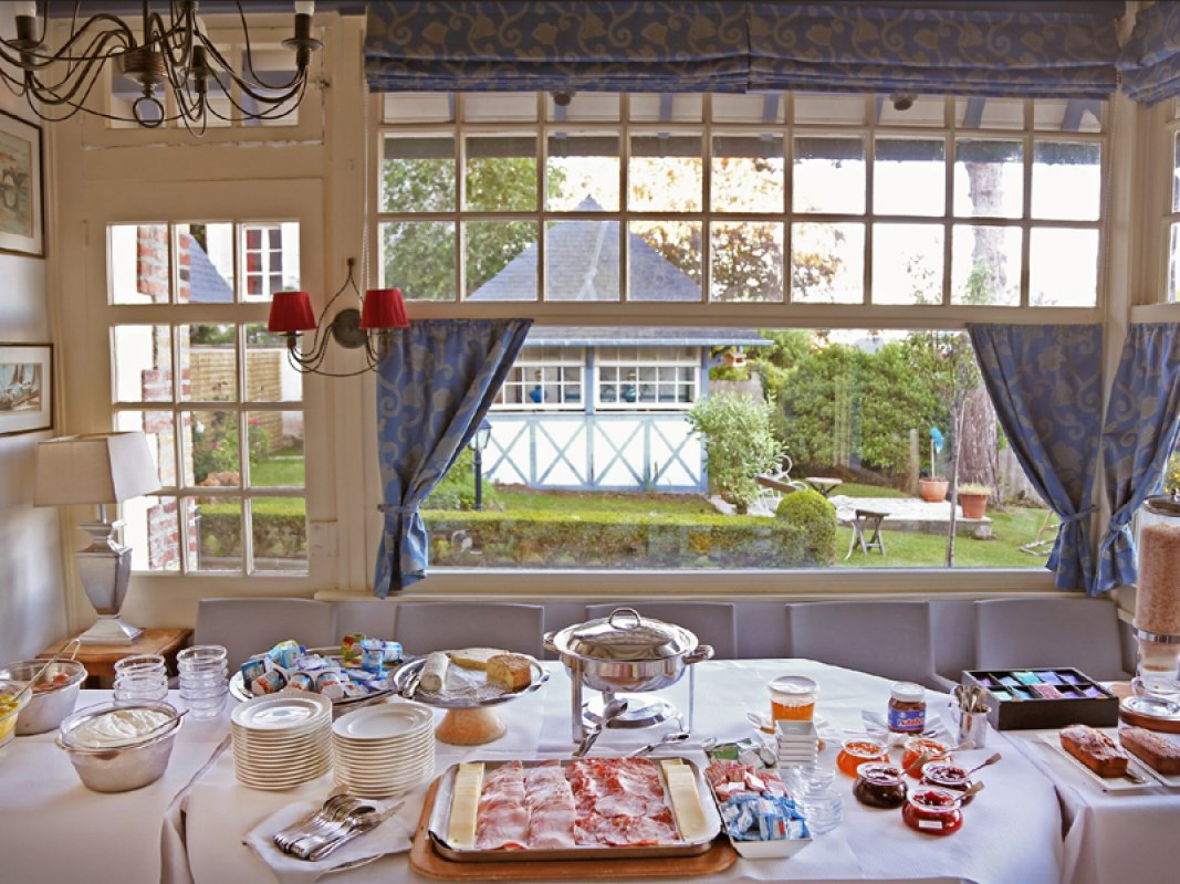 Le bellevue - breakfast - 800X600